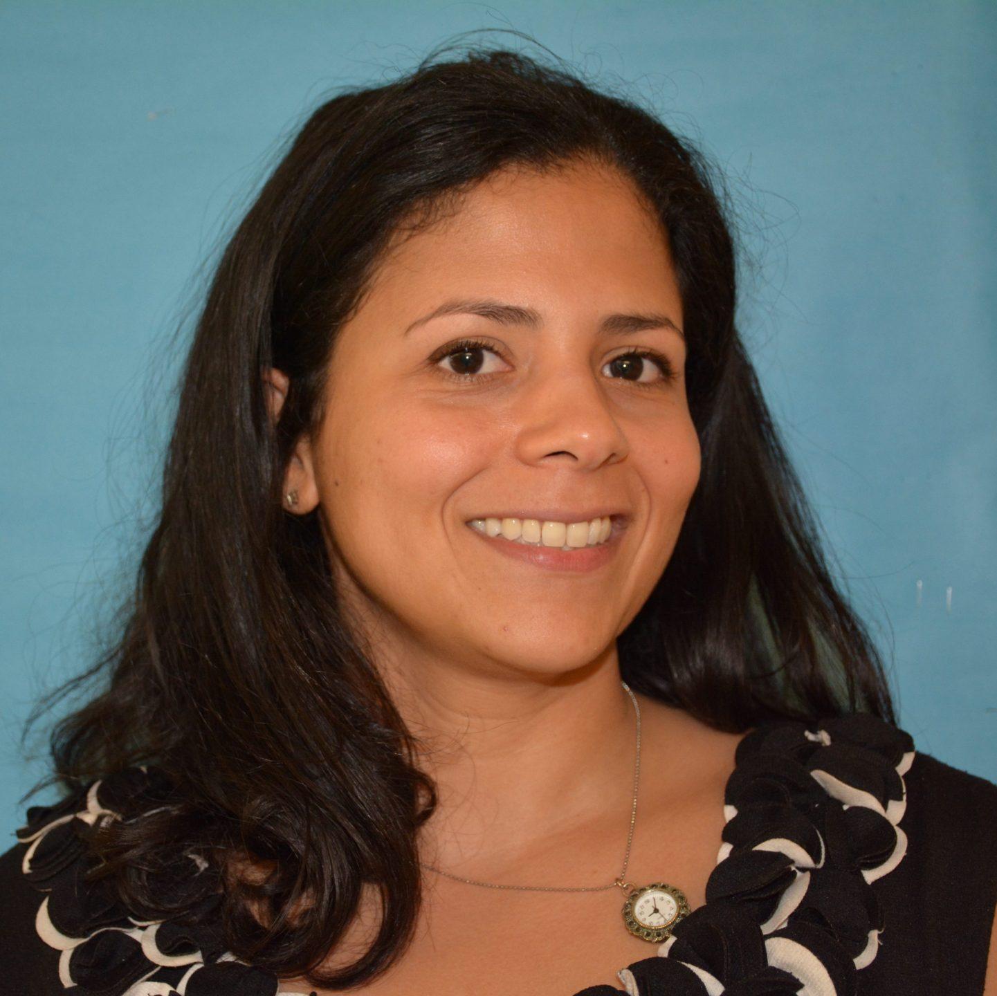 Deyadira Baez-Sierra, MD : Psychiatrist